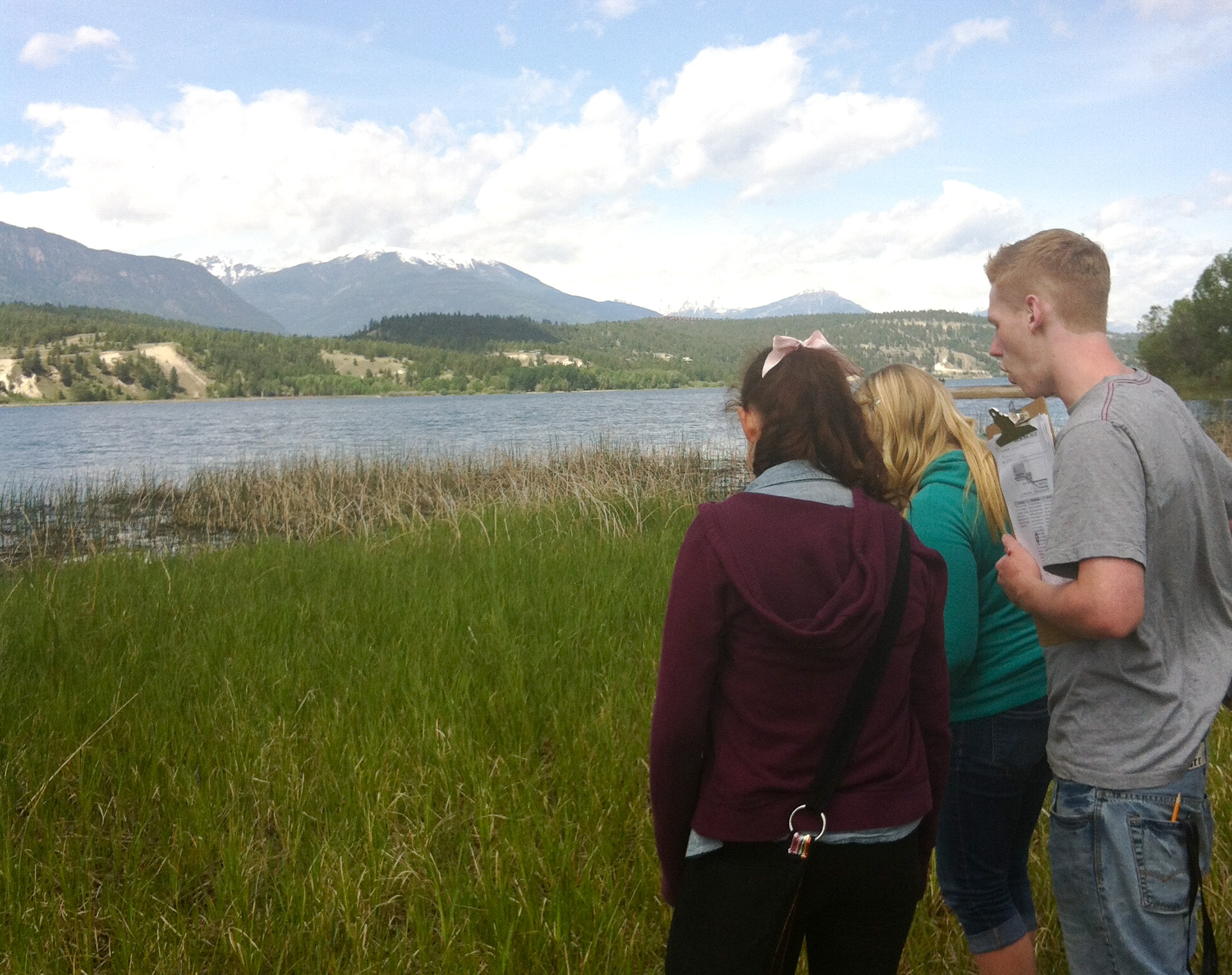 Invermere Students Study Shoreline